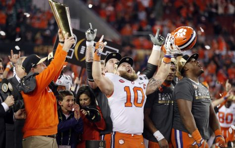 Top college football teams clash on New Year's Eve