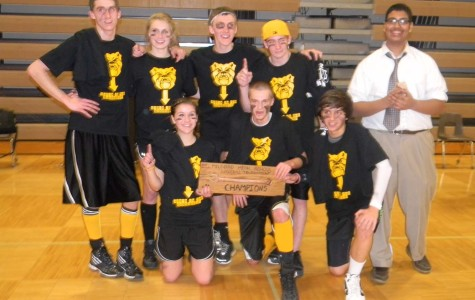 """""""Bark! Bark! Woof! Woof! Who's in the Basement?"""" becomes the first nonsenior team to win Mav Ball"""