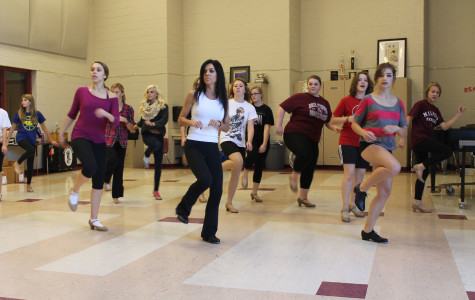 Musical Thoroughly Modern Millie Premieres at Milford