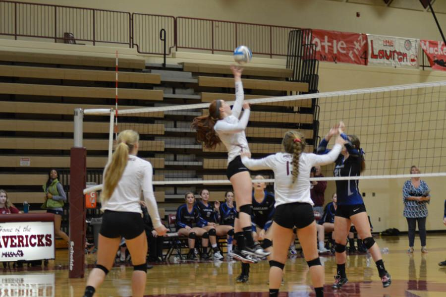 Milford Volleyball defeats Lakeland at Districts