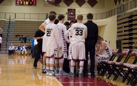 Boys Varsity Basketball falls to Lakeland - Photos