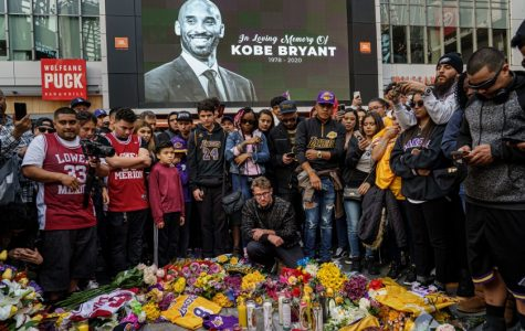 Fans gather around Kobe Bryant Memorial at the Staples Center (Courtesy of LA Times)
