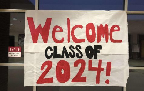 Milford Leadership students made welcome signs and posted information for new freshmen to see upon arrival at MHS for in-person school.