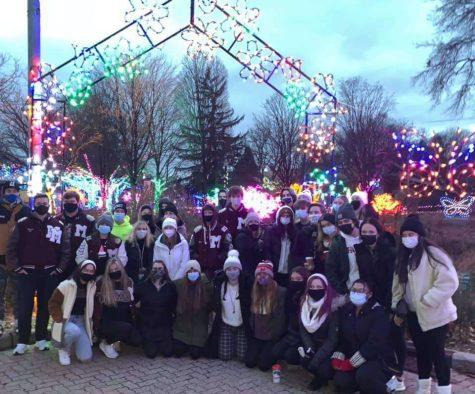 Seniors attend Detroit Zoo's Wild Lights event