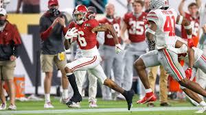 Heisman winner Devonta Smith catching 1 of his 3 first half touchdowns